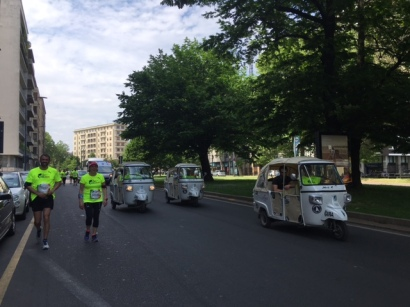 wingsforlife worldrun 2016 vespa escorte